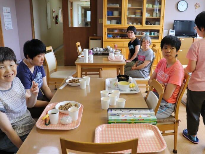 ワークショップまるやま荘 夏休み 焼き肉行事2