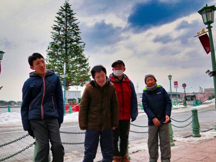 函館青年寮通所部「クリスマスツリー」